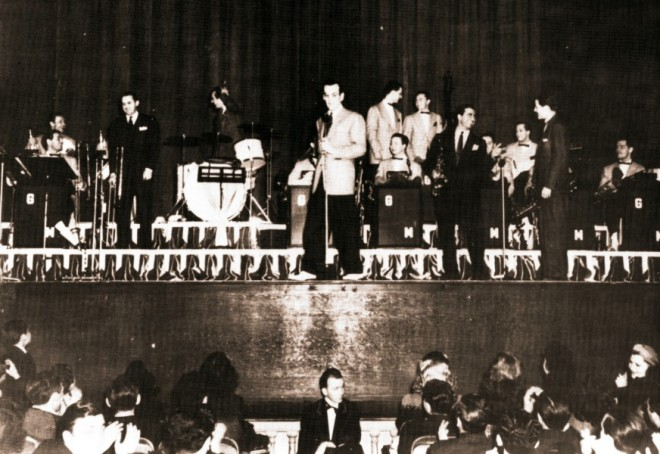 Tommy Dorsey, Gene Krupa, Dick Stabile and Charlie Barnet join Glenn on the Paramount stage.
