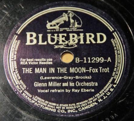 gm man moon