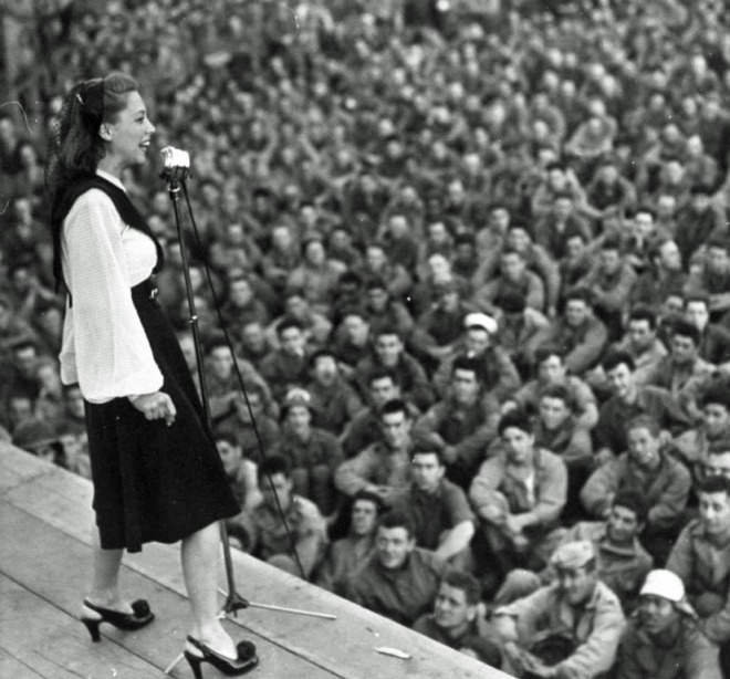 Dinah Shore in France, 1944.